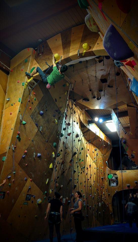 jonas_arch_climbing.jpg