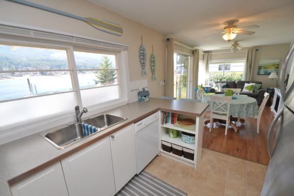 BBH kitchen livingroom.jpg