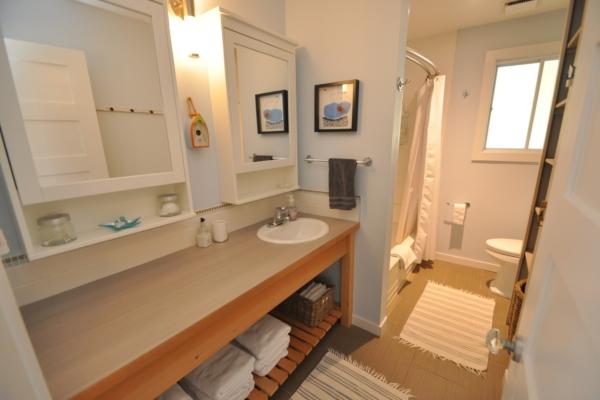 BBH bathroom.jpg